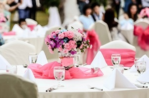 Outdoor wedding reception food ideas to wow your guests