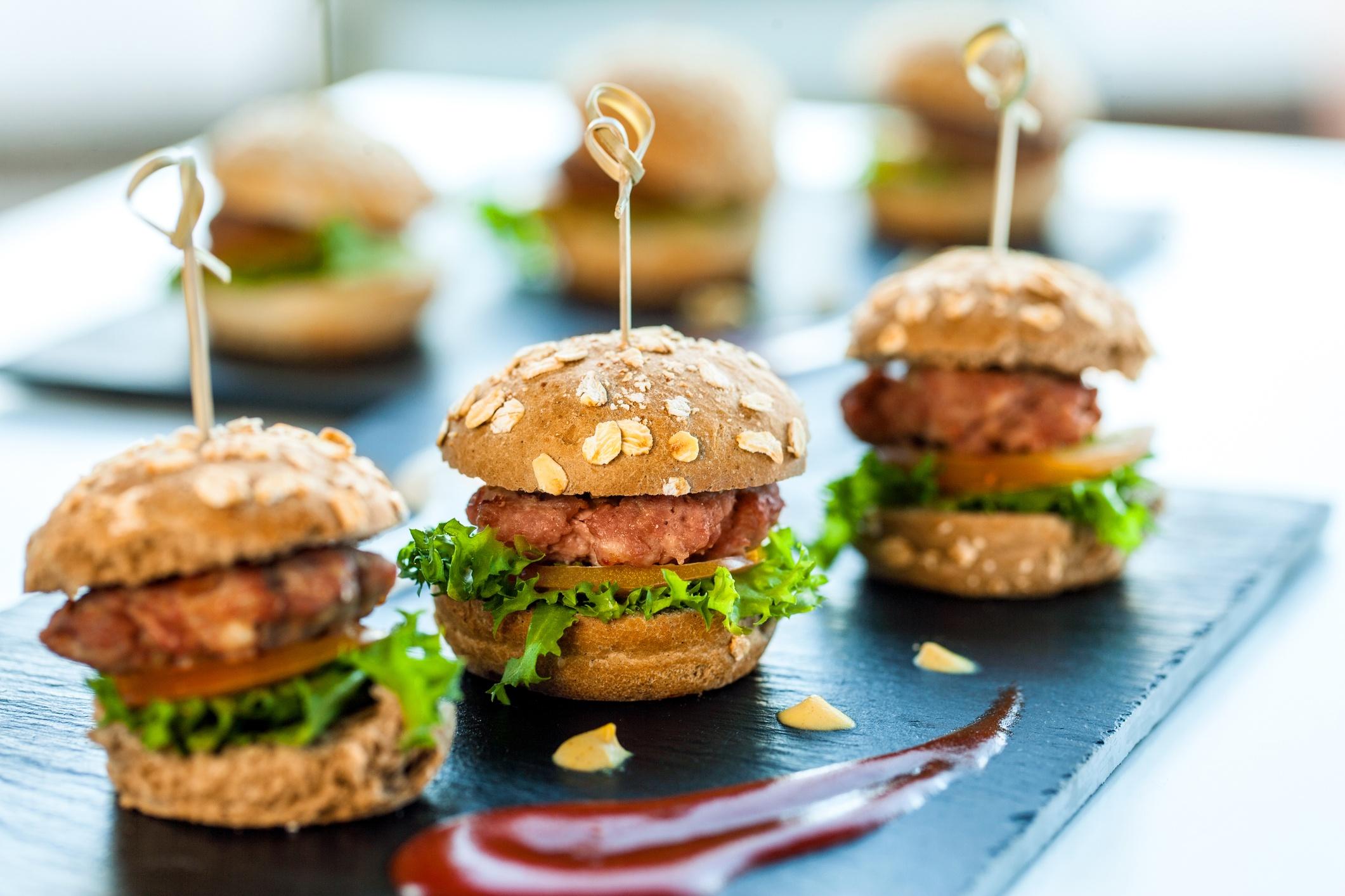 5 Wedding Reception Snack Ideas That Won't Break Your Budget